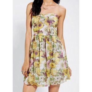 NWOT Jack BB Dakota Floral Strapless Mini Dress